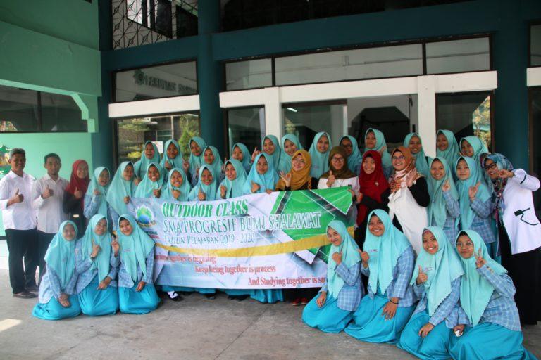 Kunjungan MIPA 1 SMA Bumi Sholawat ke FST UINSA