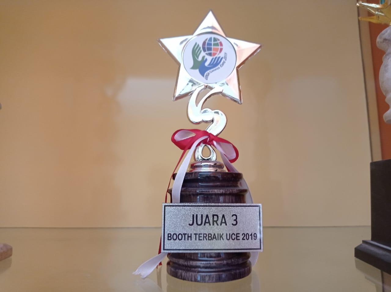 JUARA III BOOTH TERBAIK UCE 2019